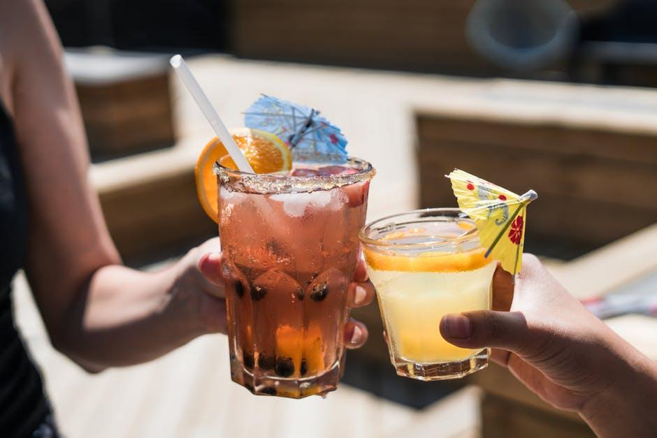 Bespaar geld met deze 8 populaire mixdrankjes